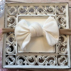 Other - Boutique Baby Girls White Knot Bow Headband